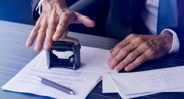 Mobile Notaries Make Transactions Easier